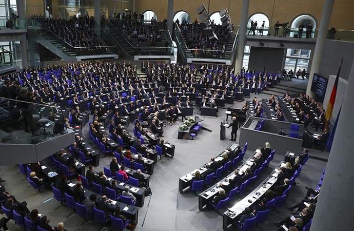 'Müslümanlar lehine' önergeyi Alman meclisi reddetti
