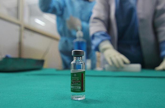 Geliri düşük ülkeler ilkbahara kadar aşılara erişemeyecek!