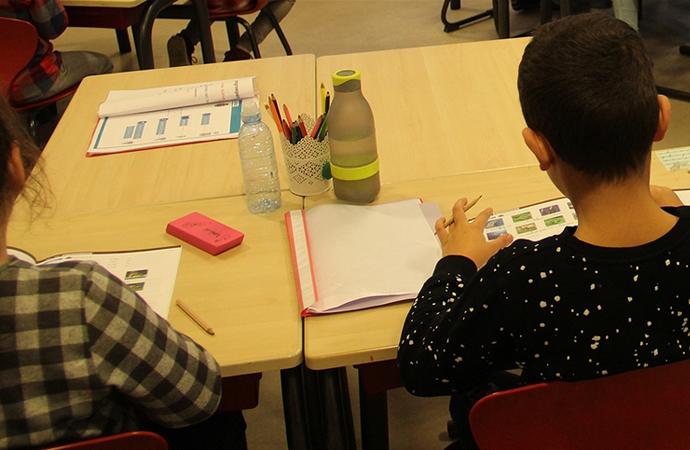 Hollanda'da ilkokullarda İslam karşıtı eğitim materyali