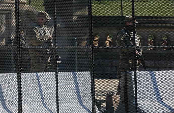 Yemin töreninden sonra Ulusal Muhafızları otoparka gönderdiler