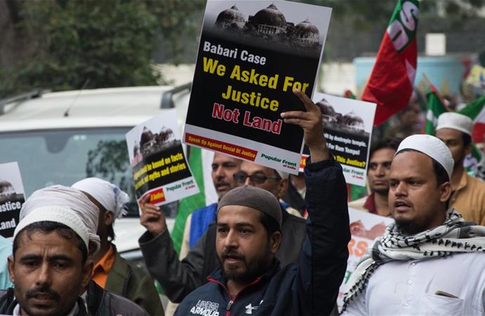 Hindistan'da 'adalet' Hindulardan yana!