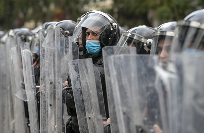 Tunus ordu birlikleri sokaklarda konuşlandı