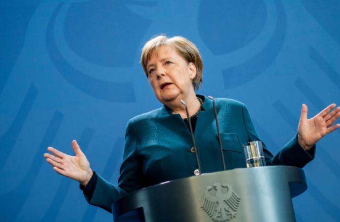 """Merkel, salgınla mücadele için """"bu yüzyılın görevi"""" ifadesini kullandı"""