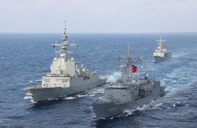 NATO Deniz Grubu ile Türk firkateyni geçiş eğitimi icra etti