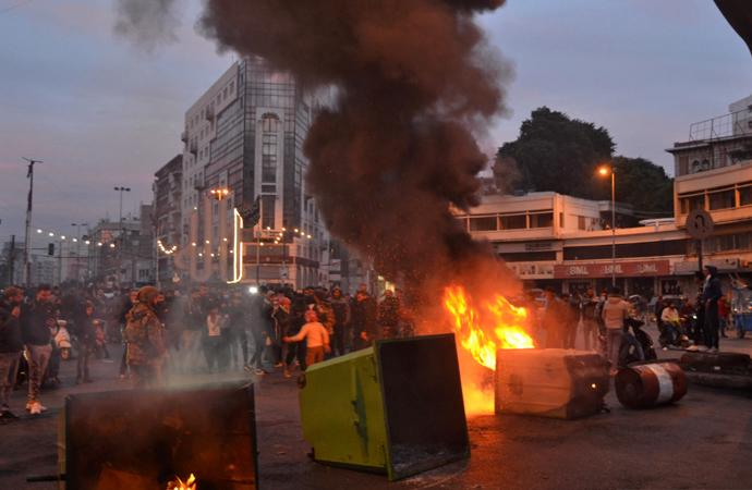 Lübnan'da şiddetli gösteriler