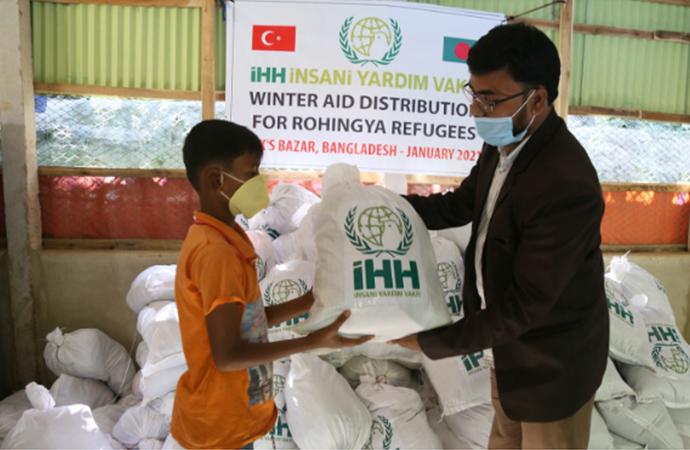 İHH'dan Bangladeş'teki 45 bin Arakanlı mülteciye yardım