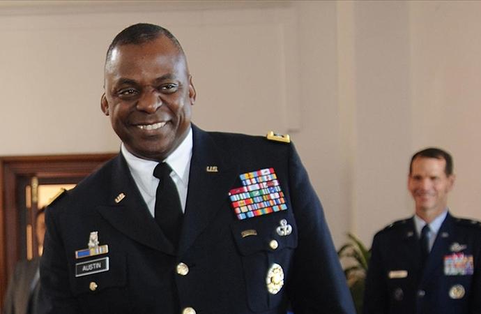 ABD'nin ilk siyahi Savunma bakanı görevine başladı