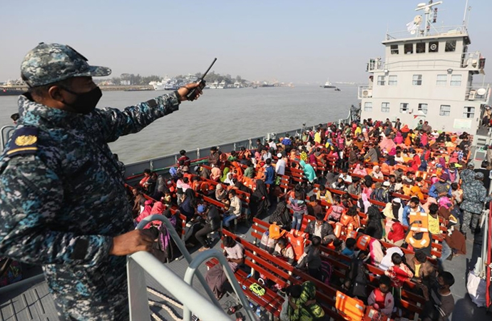 Bangladeş, Arakanlı 4. grubu da Bhasan Char adasına gönderdi
