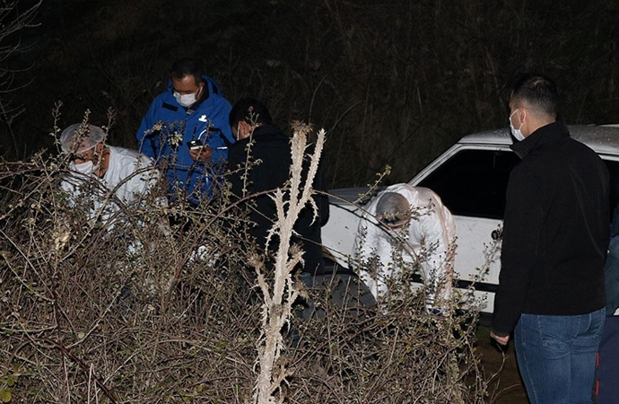 Manisa'da tarla yolunda 4 gencin cesetleri bulundu