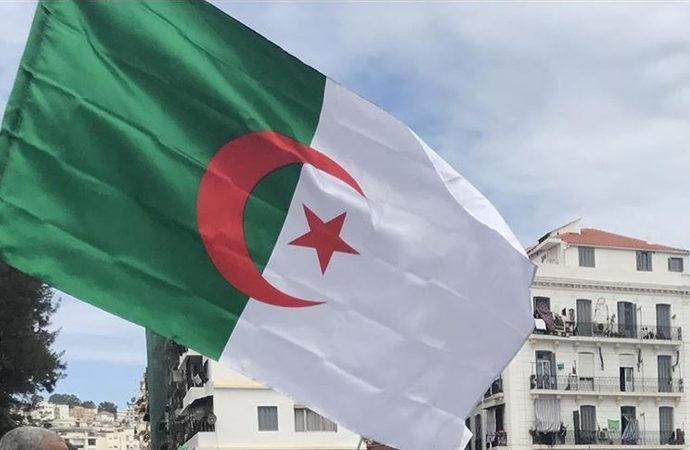 Cezayir: Fransa'nın, suçlarından kaçışı uzun sürmeyecek