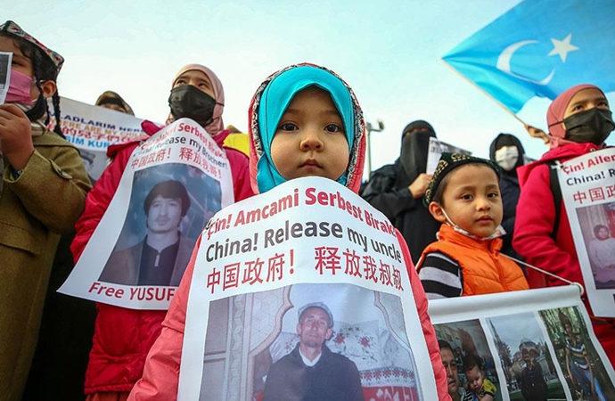 Uygurların Çin konsolosluğu önündeki eylemleri