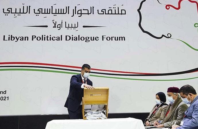 Libya'da sahada galip gelenler masada da kazanabildi mi?