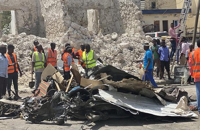Somali'de parlamento binasının girişinde şiddetli patlama