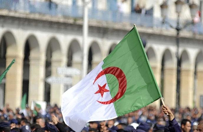 Cezayir: Fransa'nın nükleer denemelerinin etkileri devam ediyor