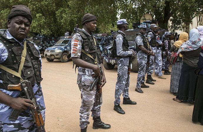 Sudan'da el-Beşir'in partisi UKP üyeleri gözaltına alındı