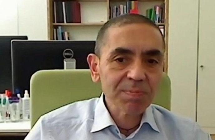 """Prof. Uğur Şahin: """"Gelecek 10 yıl zorlu geçecek"""""""