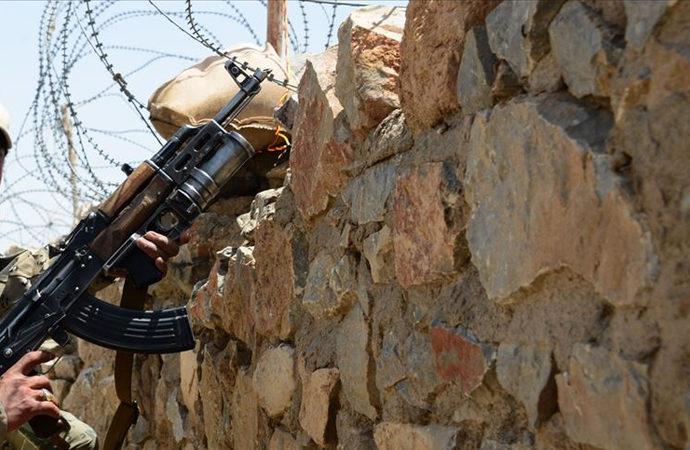 İran'da 3 istihbarat askeri öldürüldü