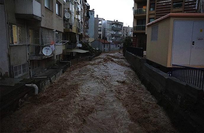 İzmir ve Aydın'da bugün de kuvvetli yağış bekleniyor