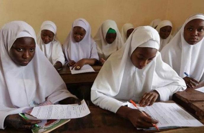 Nijerya'da başörtü tartışması nedeniyle 10 okul geçici kapatıldı