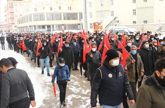 Van Bahçesaray'da yürüyüş düzenlendi