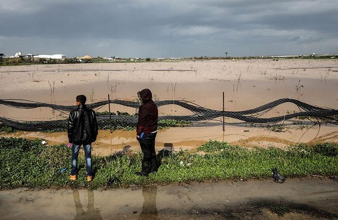 Gazze'nin kısıtlı tarım alanları sular altında kaldı