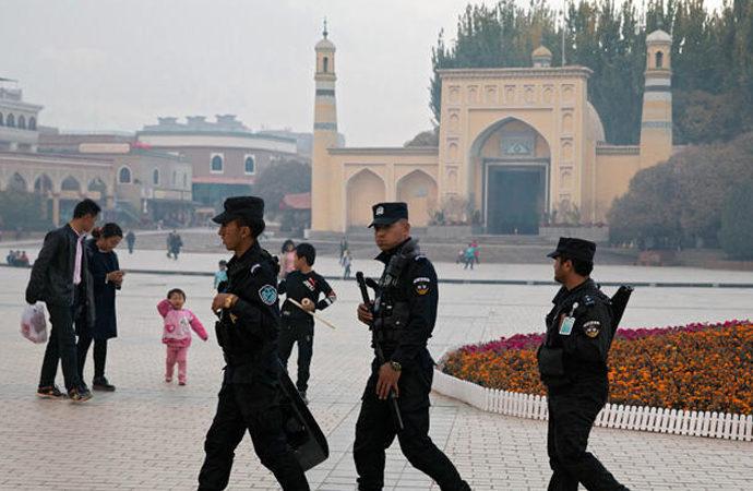 """İngiltere'den Çin'e """"BM heyetine izin ver"""" çağrısı"""
