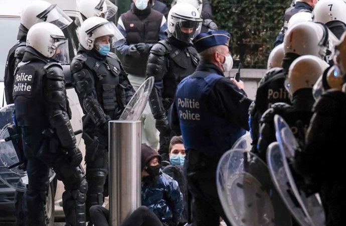 Belçika'da polislerden polis meslektaşlarına suç duyurusu