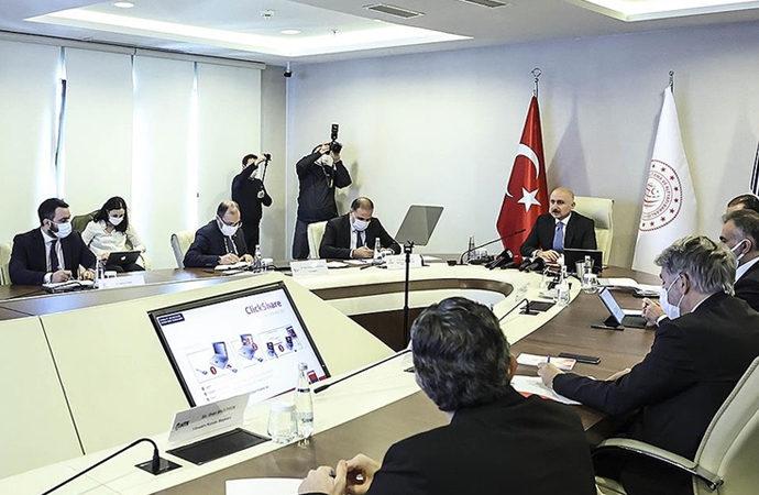 """Bakan Karaismailoğlu'ndan """"5G'ye geçiş"""" açıklaması"""