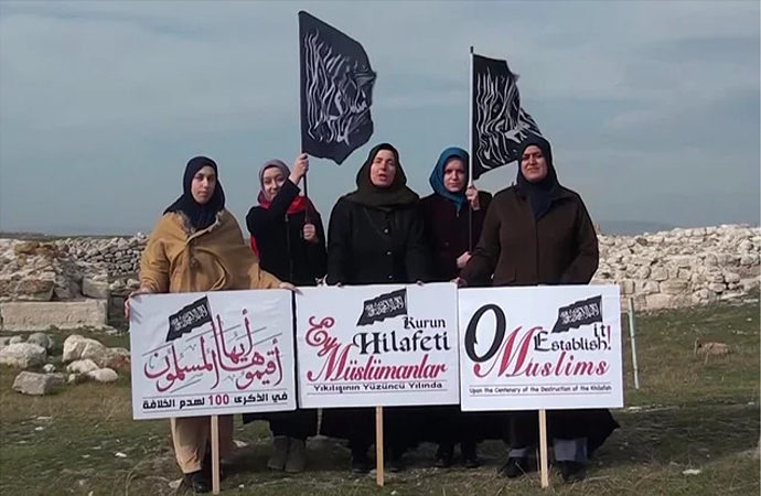 Hilafet videosu çeken 4 kadının gözaltına alınmasına tepkiler