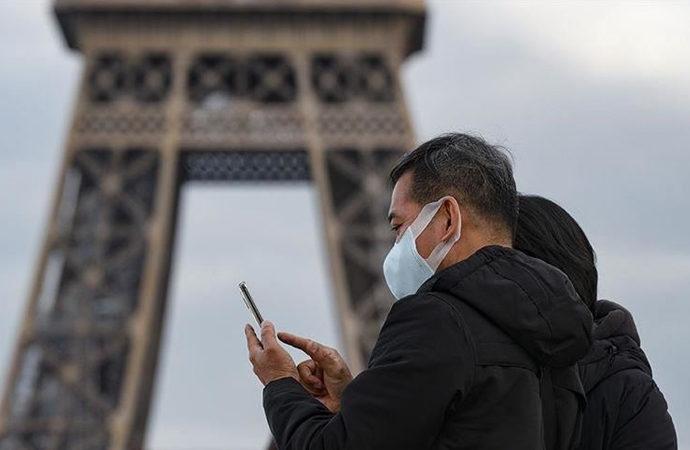 Fransa'da koronalı sağlık çalışanları işe gelmeye devam etti