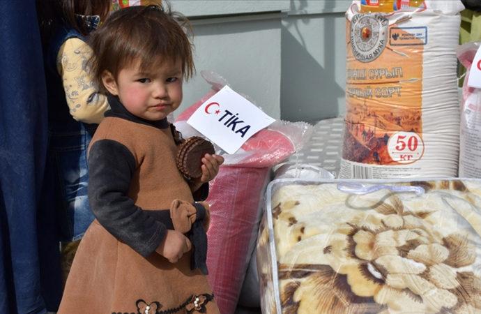 TİKA'dan Türkmen ailelere gıda ve battaniye yardımı