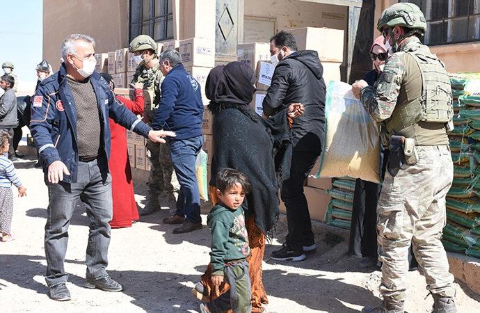 Türk STK'ler Barış Pınarı harekat bölgesinde yardımda bulundu