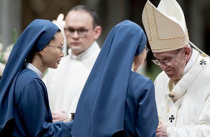 """Almanya'da bazı rahibelerin yetim çocukları """"sattığı"""" ortaya çıktı"""