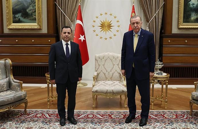 Erdoğan, Anayasa Mahkemesi Başkanı Arslan'ı kabul etti