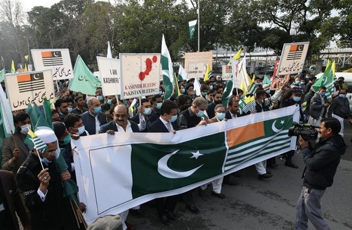 """İslamabad'da """"Keşmir'le Dayanışma"""" yürüyüşü"""