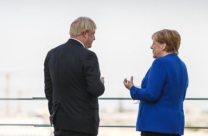 İngiltere ve Almanya aşıda iş birliği anlaşması yaptı