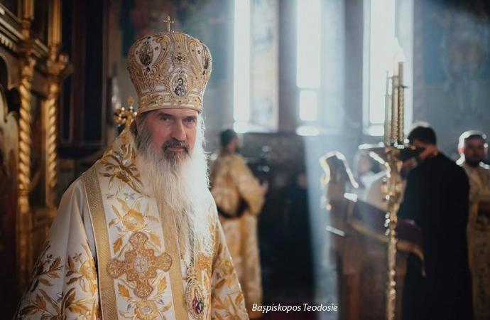 Romanya'da bebeğe vaftiz tartışması