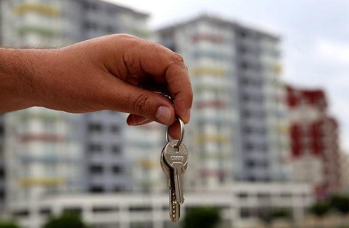 Bekara ev kiralamayan emlakçı ve ev sahibine ceza