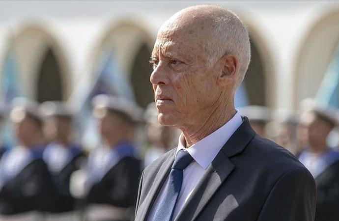 """""""Aşılar geldi"""" açıklaması Tunus'u karıştırdı"""
