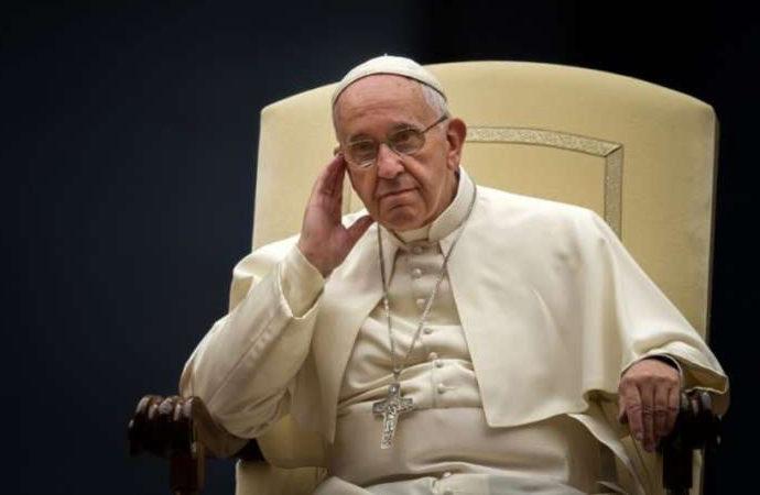"""Papa, """"dinin manipüle edilmesine"""" karşı çıktı!"""