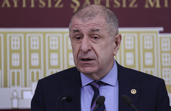 Ümit Özdağ partisini ağır eleştirdi ve istifa etti