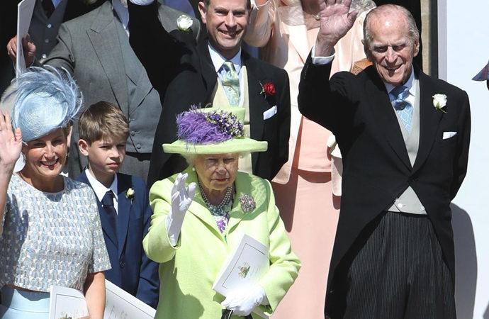 """İngiliz Kraliyeti'ne """"yalan haber üretme"""" suçlaması"""