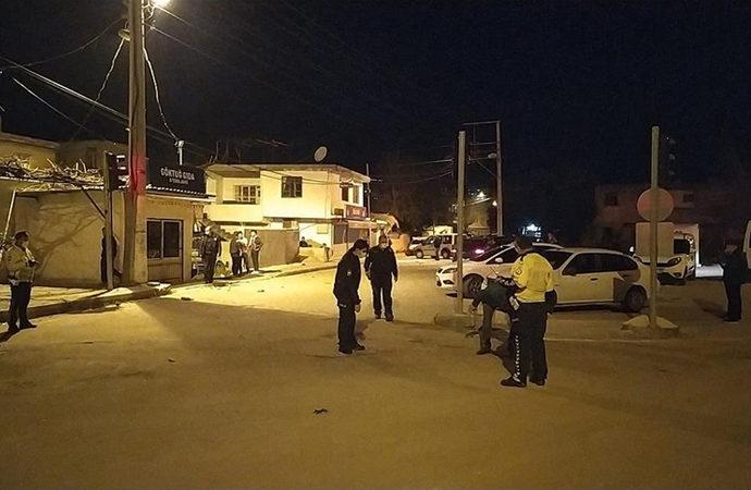 Adana'da maskeli kişiler, ev ve iş yerlerine ateş açtı