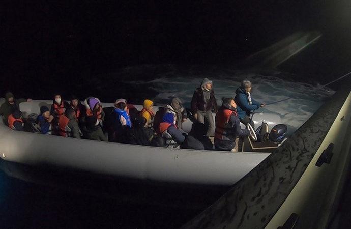 Ege Denizi'nde 102 sığınmacı kurtarıldı