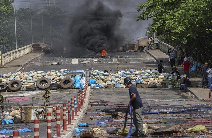 Myanmar'da darbe protestolarında 23 kişi daha öldürüldü