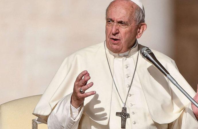 Vatikan'dan 'eşcinsel birliktelikler kutsanamaz' kararı