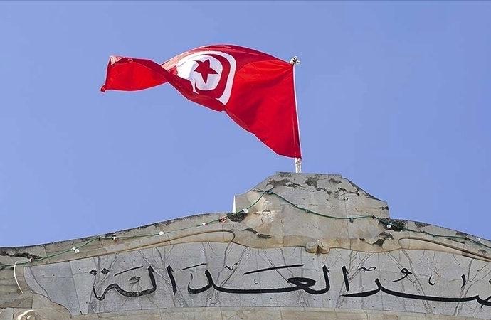 Tunus, ülkeden kaçırılan 23 milyar doların peşinde