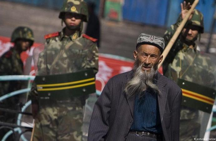Uygurlara uygulanan baskıya Avrupa'dan yaptırım geldi