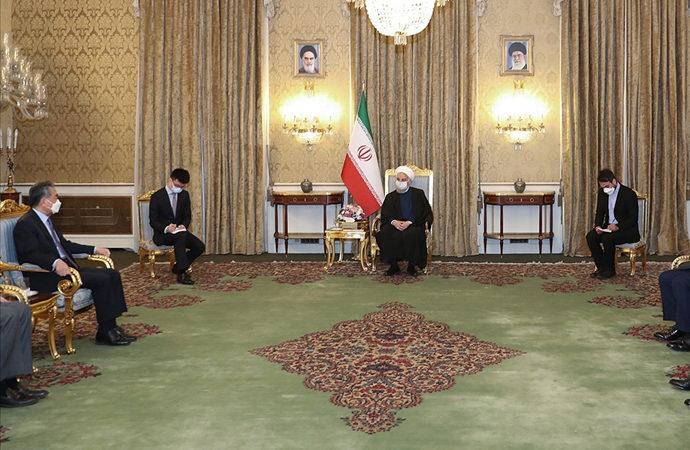 Çin ve İran 25 yıllık iş birliği anlaşması imzaladı