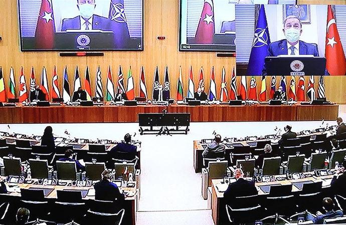 Hulusi Akar, NATO'nun Afganistan toplantısına katıldı